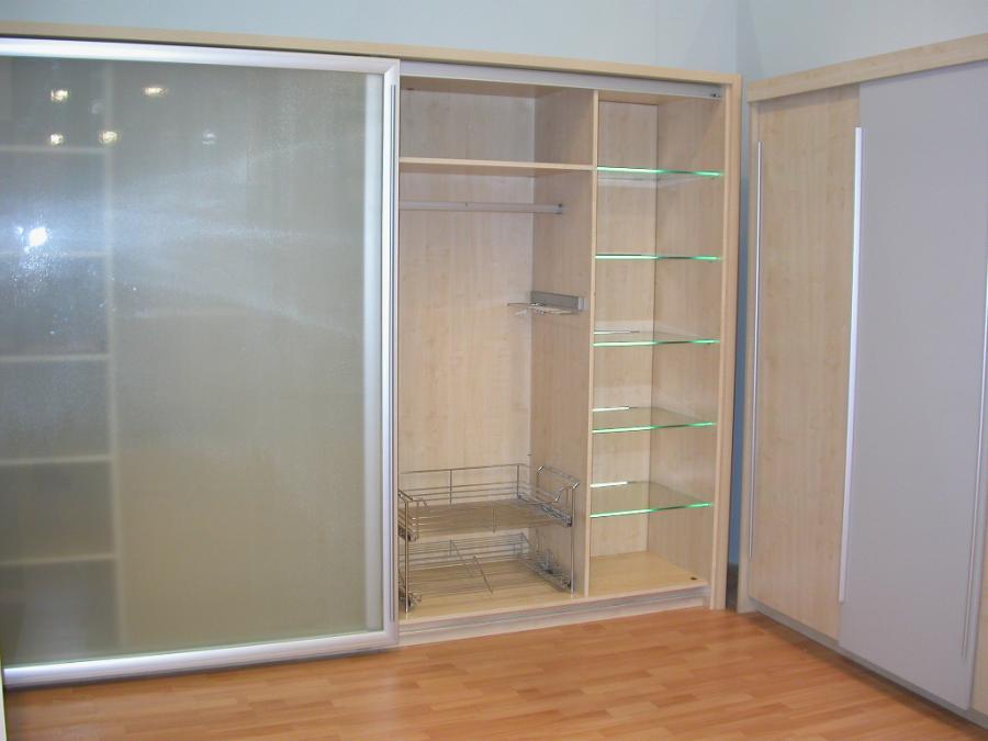 Шкафы для гостиной - 100 фото современных моделей для гостин.